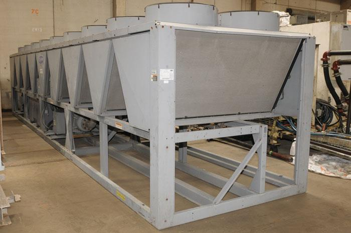 Reconditioned Used 350 Ton Carrier 30XAA350 Air Cooled Surplus Used Chiller